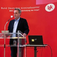 Prof. Frank Überall, Vorsitzender des Deutschen Journalistenverbandes: Krisenberichterstattung muss seriös und nachprüfbar sein