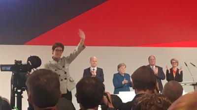 """""""Lieber Sonntag Tatort gucken"""""""