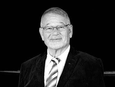 Nachruf: Trauer um Hubertus Harras