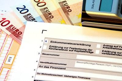 Steuerabkommen mit der Schweiz - Deutschlands Kriminalbeamte wütend auf Schäuble